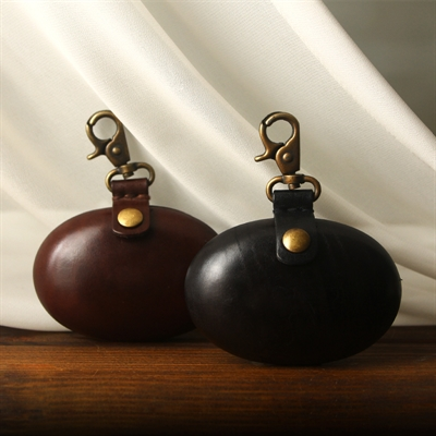 OVAL POUCH